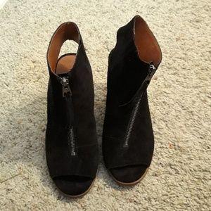 Lucky brand peep toe shoes